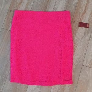 Dresses & Skirts - NWT hot pink lace skirt xs
